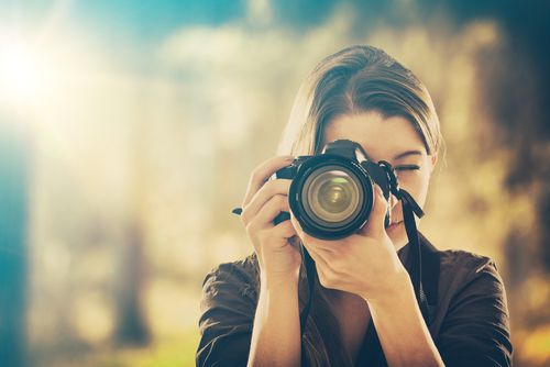 同窓会幹事代行業者に依頼するとプロに写真撮影を依頼できる?