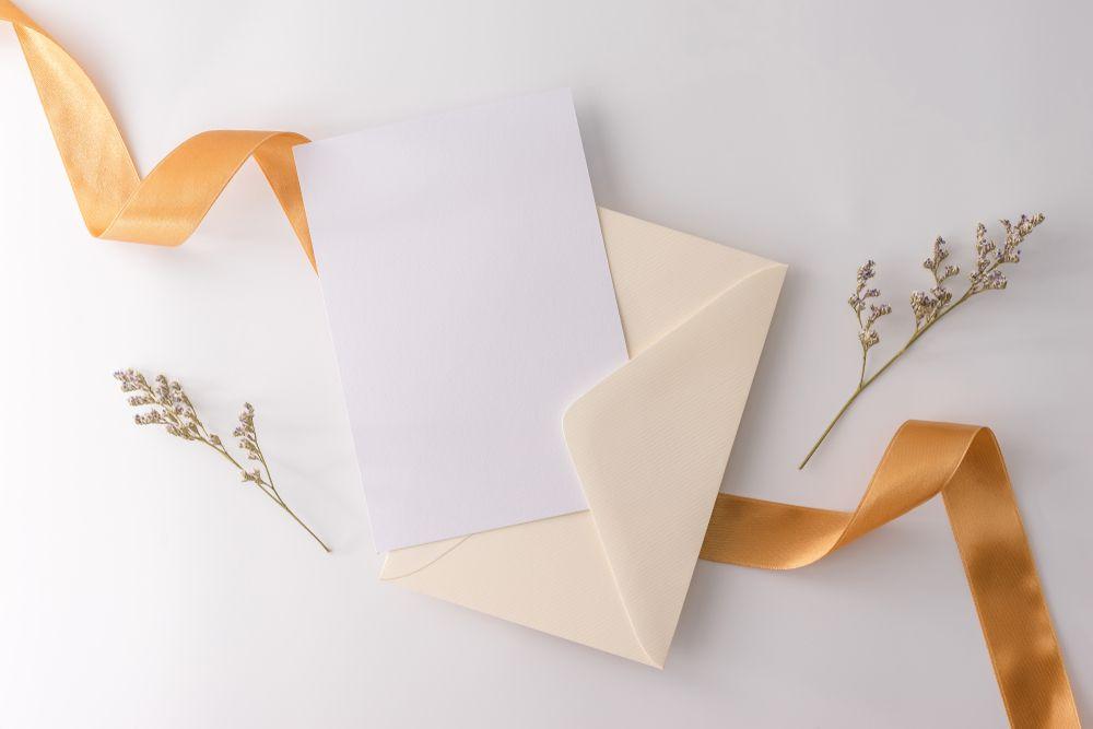 恩師の先生への同窓会の招待状は代行業者と相談してきっちり作ろう!